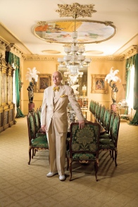 As featured in Southern Living, Buzz Harper shows off his glamorous home and dining room.